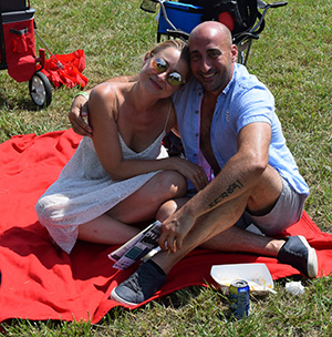 Couple enjoying the South Jersey Arts Fest